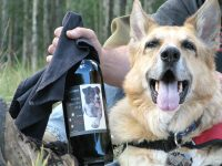 Jerry Thanks Dunham Cellars for Three Legged Red Table Wine